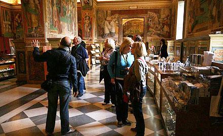 Guides touristiques officiels du Vatican